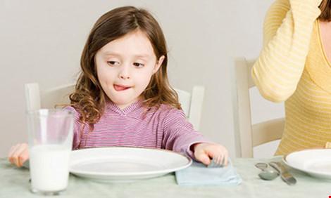 10 lý do không nên cho trẻ dưới 1 tuổi uống sữa bò - 2