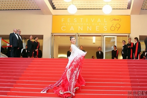 Loạt mỹ nhân TQ bị yêu cầu rời khỏi thảm đỏ Cannes - 2