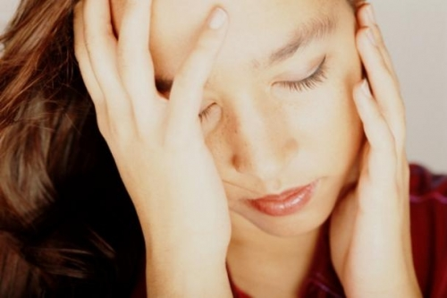Cách giảm chứng đau đầu không cần uống thuốc - 1
