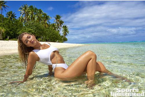 Mẫu 9X hot nhất thế giới bốc lửa với bikini bé xíu - 13