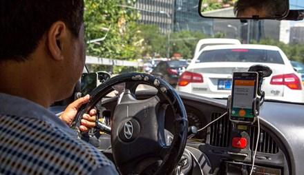 Apple đầu tư 1 tỷ USD vào đối thủ của Uber ở Trung Quốc - 1