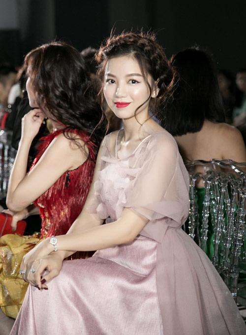 Vẻ đẹp xinh như công chúa của hot girl Hạ Anh - 6