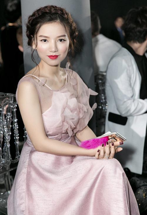 Vẻ đẹp xinh như công chúa của hot girl Hạ Anh - 7