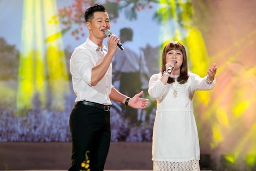 Vy Oanh nghẹn ngào khi hát về tuổi học trò - 3