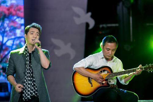 Vy Oanh nghẹn ngào khi hát về tuổi học trò - 5