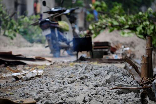 HN: 8 năm không xong 1km mương, dân sống chung với muỗi - 9