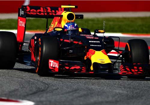 F1, đua thử Spanish GP 2016: Ferrari tiến sát Mercedes - 3