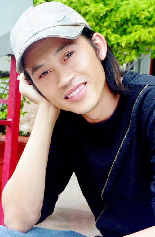 Bất ngờ với loạt ảnh Hoài Linh thời trẻ đẹp như tài tử - 9