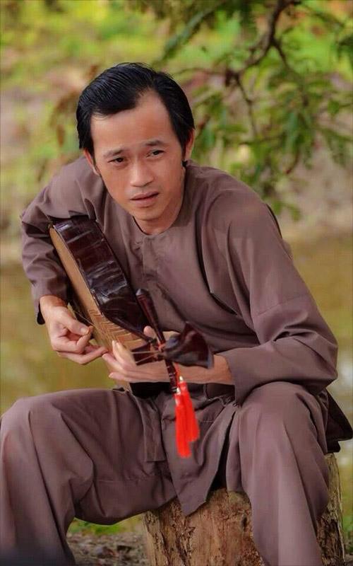 Bất ngờ với loạt ảnh Hoài Linh thời trẻ đẹp như tài tử - 10