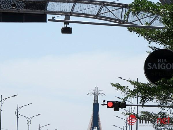 Xe của Chủ tịch TP Đà Nẵng cũng vi phạm giao thông - 1