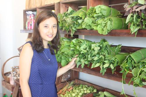 Cô gái bỏ lương 50 triệu/ tháng, về quê trồng rau sạch - 1