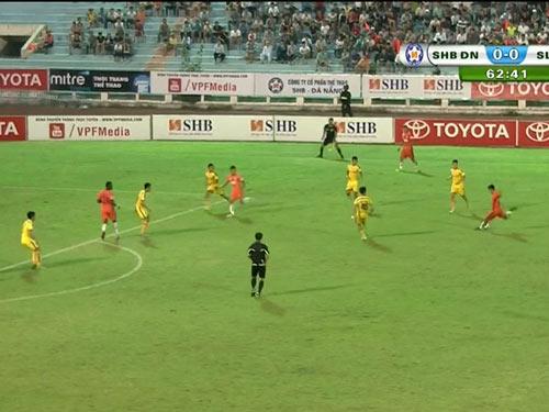 SHB Đà Nẵng - SLNA: Gay cấn hiệp 2 - 1
