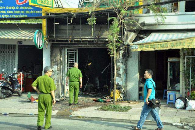 5 phút hãi hùng đối diện thanh niên ngáo đá đốt cửa hàng gas - 3