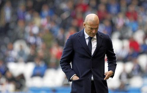 Real xứng đáng vô địch như Barca, Ronaldo bị đau - 1