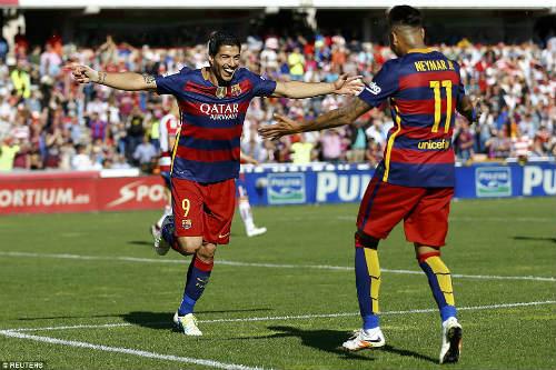 Ảnh: Barca vỡ òa ngày vượt mặt Real, xưng bá Liga - 7