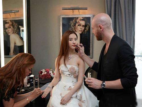 Bí mật sau vẻ đẹp nữ thần của Lưu Diệc Phi tại Cannes - 9