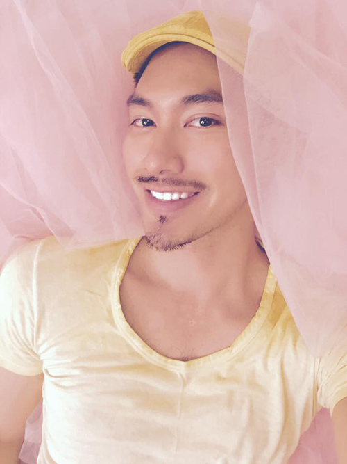 Facebook sao 15.5: Hà Hồ xinh đẹp rạng rỡ bên con trai - 8