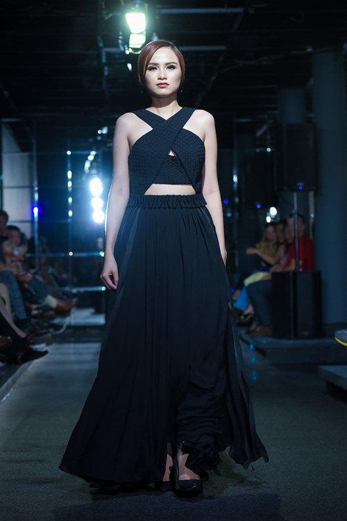 Diva Hồng Nhung lần đầu cùng 2 con gái diễn thời trang - 8