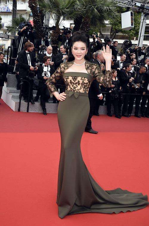 Lý Nhã Kỳ khoe vóc dáng kiêu sa trên thảm đỏ Cannes - 1