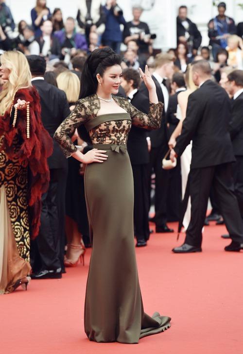 Lý Nhã Kỳ khoe vóc dáng kiêu sa trên thảm đỏ Cannes - 8