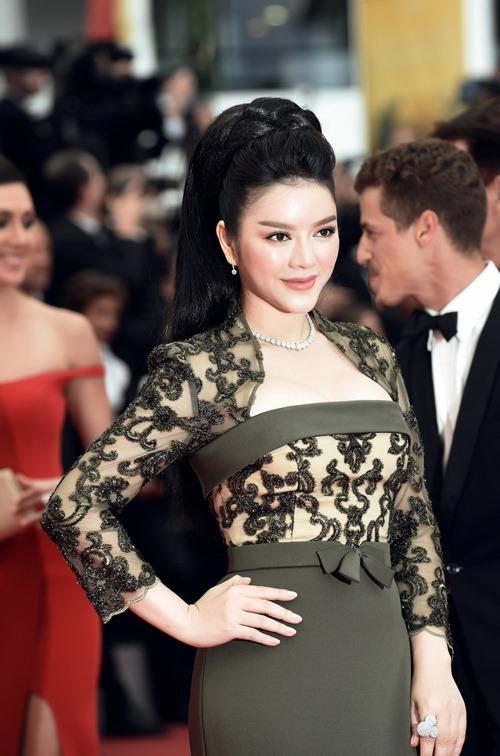 Lý Nhã Kỳ khoe vóc dáng kiêu sa trên thảm đỏ Cannes - 7