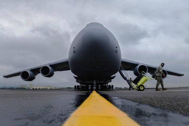 """Ngắm """"nhà kho bay"""" lớn nhất quân đội Mỹ - 2"""