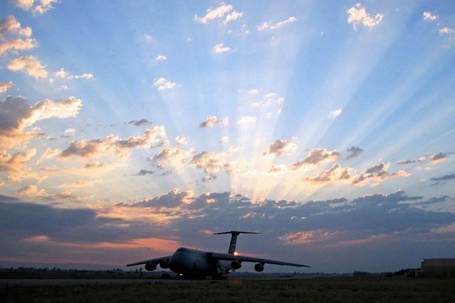 """Ngắm """"nhà kho bay"""" lớn nhất quân đội Mỹ - 12"""