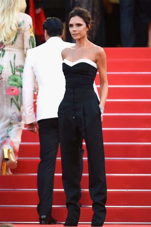 """Victoria Beckham - siêu sao """"thuần hóa"""" quần ống rộng - 1"""