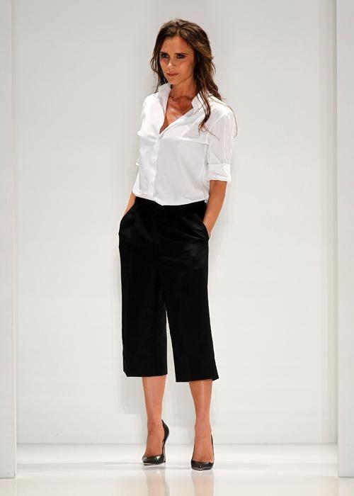 """Victoria Beckham - siêu sao """"thuần hóa"""" quần ống rộng - 12"""