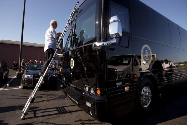 """Ground Force One - xe buýt """"quái vật"""" chuyên chở Obama - 5"""