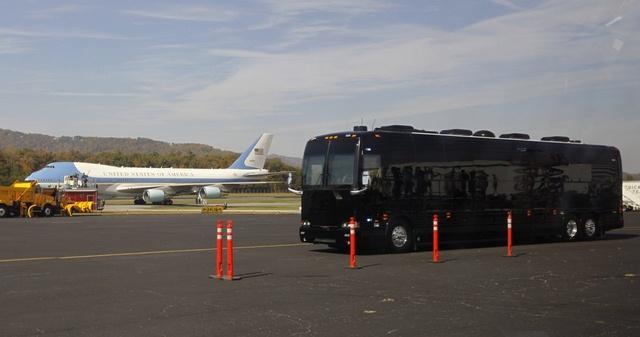 """Ground Force One - xe buýt """"quái vật"""" chuyên chở Obama - 13"""