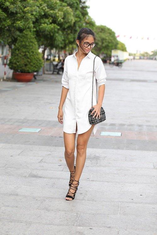 Chân dài Việt sành điệu khi đi xem thời trang - 2