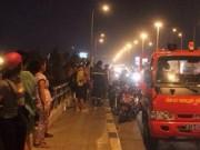 Tin tức trong ngày - Hai nữ sinh đi lên cầu, một người nhảy sông mất tích