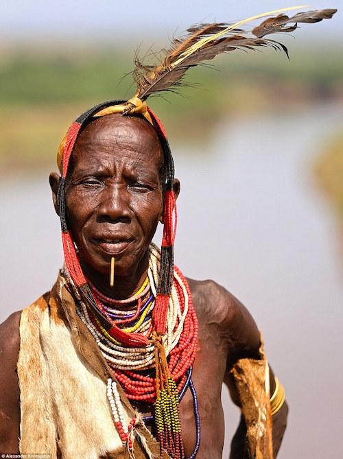Ngắm khuôn mặt người ở những bộ lạc tận cùng thế giới - 8