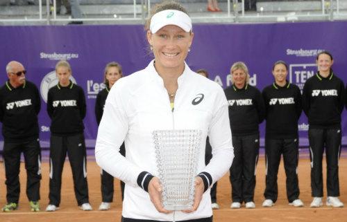 "Tennis 24/7: Serena ""giải hạn"" sau 9 tháng - 4"