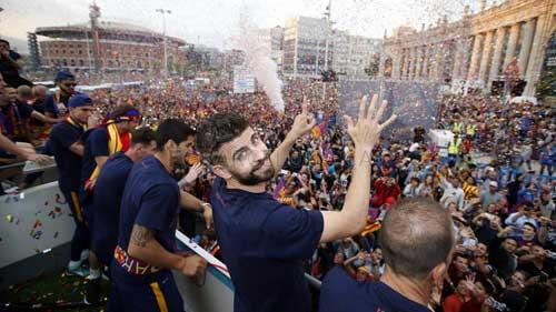 """Barca ăn mừng rầm rộ: Xứ Catalunya muốn """"vỡ tung"""" - 14"""