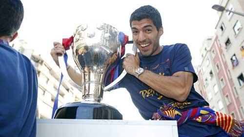 """Barca ăn mừng rầm rộ: Xứ Catalunya muốn """"vỡ tung"""" - 8"""