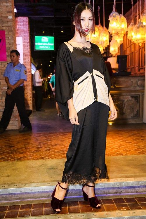 Hồ Ngọc Hà dẫn con trai Subeo đi xem thời trang - 7