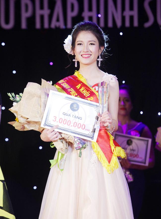Nữ sinh 19 tuổi giành giải Hoa khôi Tư pháp hình sự - 3