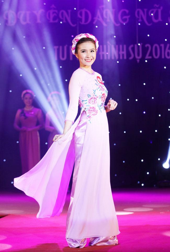 Nữ sinh 19 tuổi giành giải Hoa khôi Tư pháp hình sự - 11