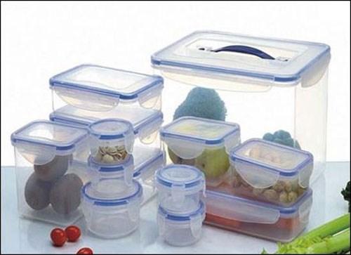 Cách tẩy vết ố màu và khử sạch mùi cho hộp nhựa - 1