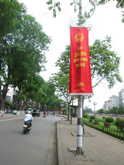 """Hình ảnh luộm thuộm của """"ma trận"""" quảng cáo ở Hà Nội - 11"""