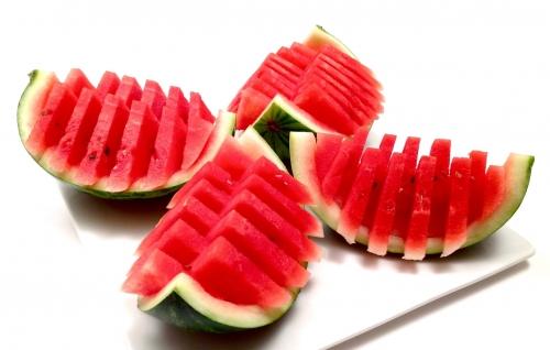 Nguy hiểm khôn lường khi ăn dưa hấu sai cách vào mùa hè - 2