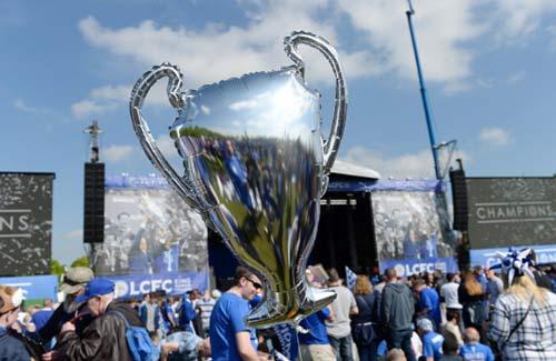 Leicester City rước cúp: Bữa đại tiệc lịch sử - 3