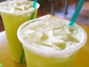 Sức khỏe đời sống - Bệnh tiềm ẩn trong cốc nước mía giải nhiệt ngày hè