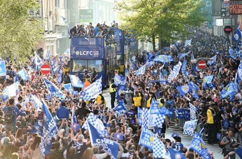 Leicester City rước cúp: Bữa đại tiệc lịch sử - 5