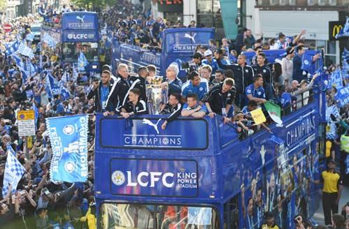 Leicester City rước cúp: Bữa đại tiệc lịch sử - 8