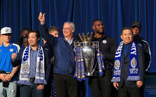 Leicester City rước cúp: Bữa đại tiệc lịch sử - 13