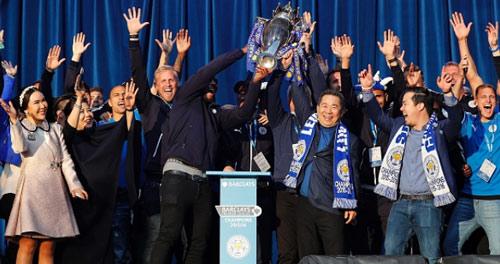 Leicester City rước cúp: Bữa đại tiệc lịch sử - 14