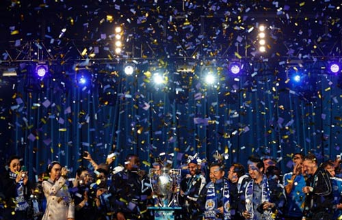 Leicester City rước cúp: Bữa đại tiệc lịch sử - 15